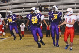 #58 Kameria Alford and #9 Carzavion Willis on offense